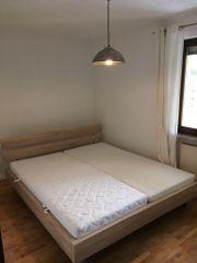 Großes Doppelbett 180