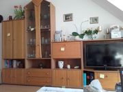 Wohnzimmerwand aus Erle