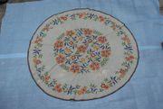 Tischdecke bestickt