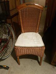4 Stühle zu