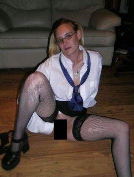 Sie sucht ihn sex daar