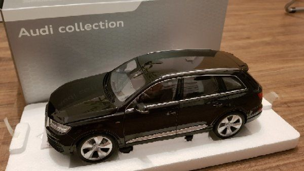 Audi Q7 - 1: » Modellautos