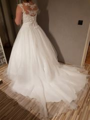 Brautkleid sucht neue Besitzerin