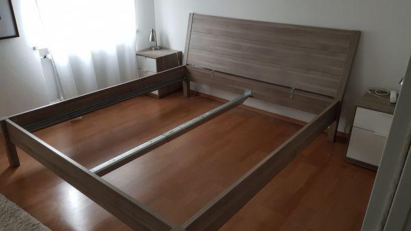 Bett weiß 180x200 ikea  Bettgestell IKEA Nyvoll 180x200 + 2x Nachttisch IKEA Nyvoll in ...