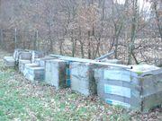 Ca. 400 Betonplatten,