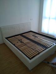 Doppelbett einschließlich Lattenrost
