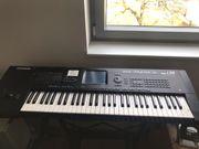 Keyboard Korg i30