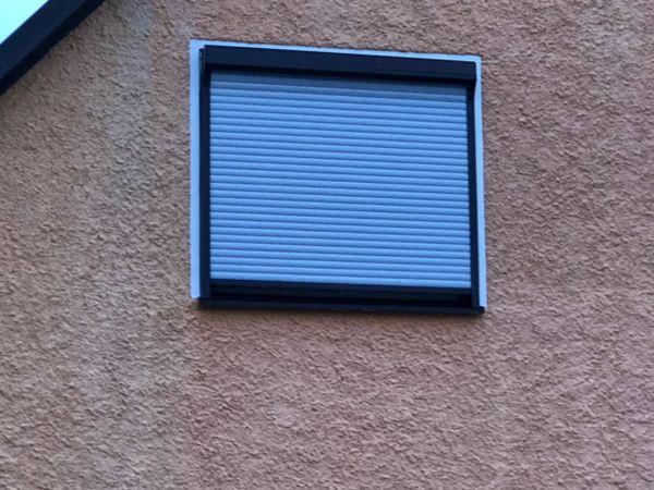 Heim Und Haus Fenster heim haus vorbaurollo mit solarantrieb und fliegengitter in
