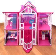 Barbie 2-Etagen Ferienhaus viele Möbel