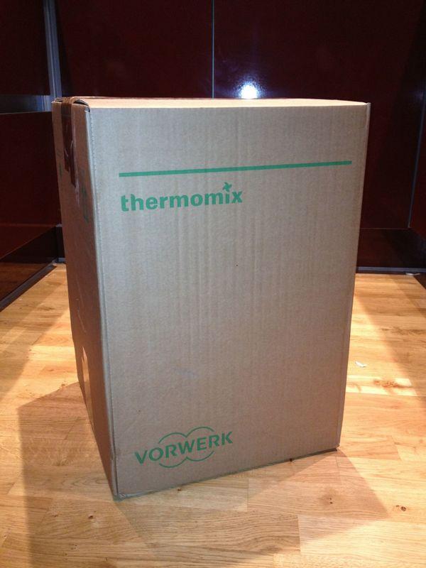 Thermomix TM5 Vorwerk, Neu inkl Cook-Key Original verpackt! Rechnung von Dez. 2017 - Mannheim Innenstadt - Verkaufen neuen unbenutzter Thermomix TM5 ,mit Cookidoo und sämtlichen ZubehörVaroma,Gareinsatz,Spatel,Kochbuch ect.Originalrechnung (von 22. Dezember 2017) wird mitgeschickt,für GarantieanspruchDa der Thermomix ein Doppeltes Weih - Mannheim Innenstadt