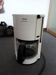 Kaffeemaschine weiß von