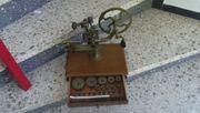 Handbetriebene Zahnradfräsmaschine, für