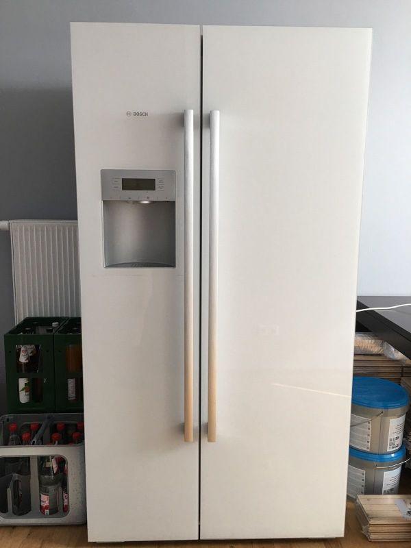 Bosch KAD62S21 Kühlschrank mit Weißer Opal-Glasfront Hochglanz in ...