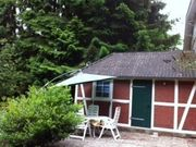 Kleines Haus im Grünen zur