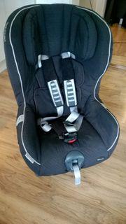 Verkaufe neuwertigen Römer Kindersitz 9-18