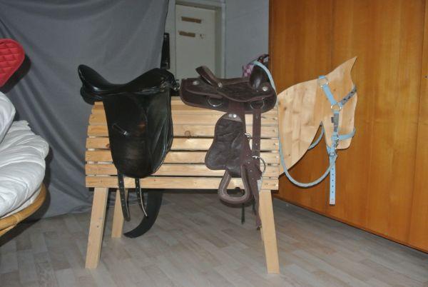 fury holzpferd kaufen fury holzpferd gebraucht. Black Bedroom Furniture Sets. Home Design Ideas