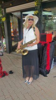 Saxophonistin/Sängerin Alleinunterhalterin