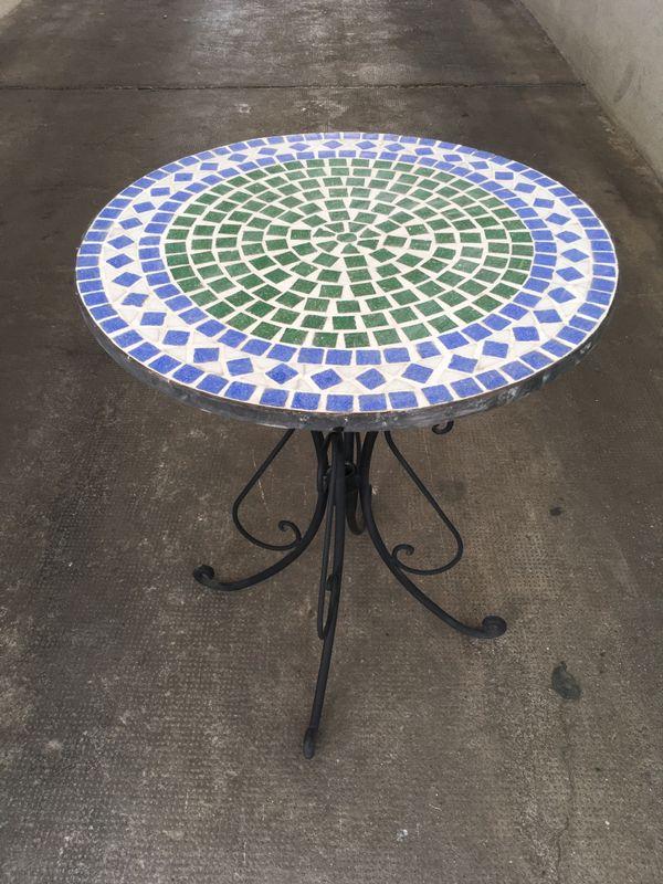 Tisch 2 Stühle Gartenmöbel Balkonmöbel Mosaik outdoor Eisen in ...