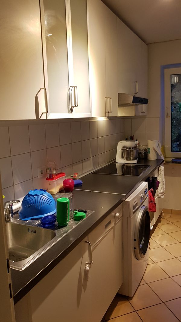 Ikea küchen faktum  Weiße Ikea Faktum Küche in München - Küchenzeilen, Anbauküchen ...