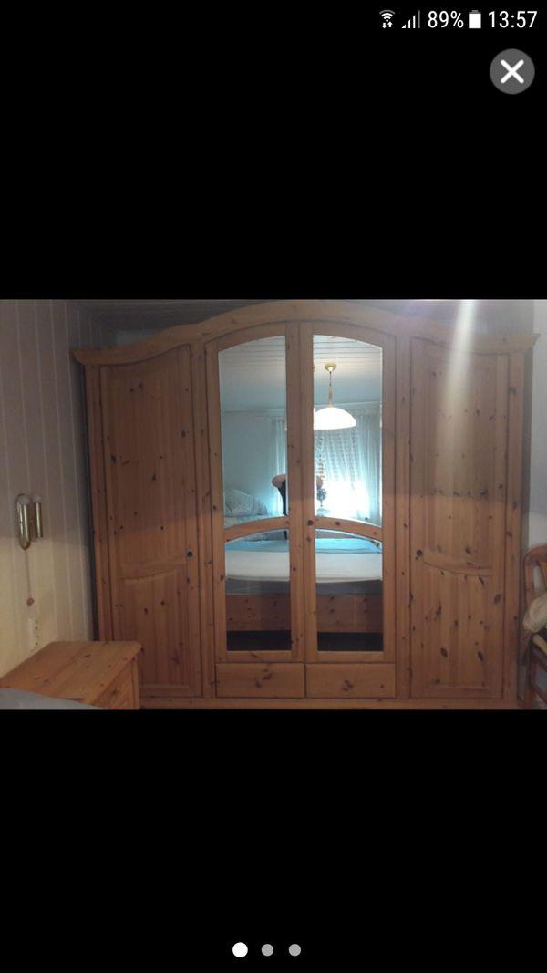 kleiderschrank kaufen kleiderschrank gebraucht. Black Bedroom Furniture Sets. Home Design Ideas