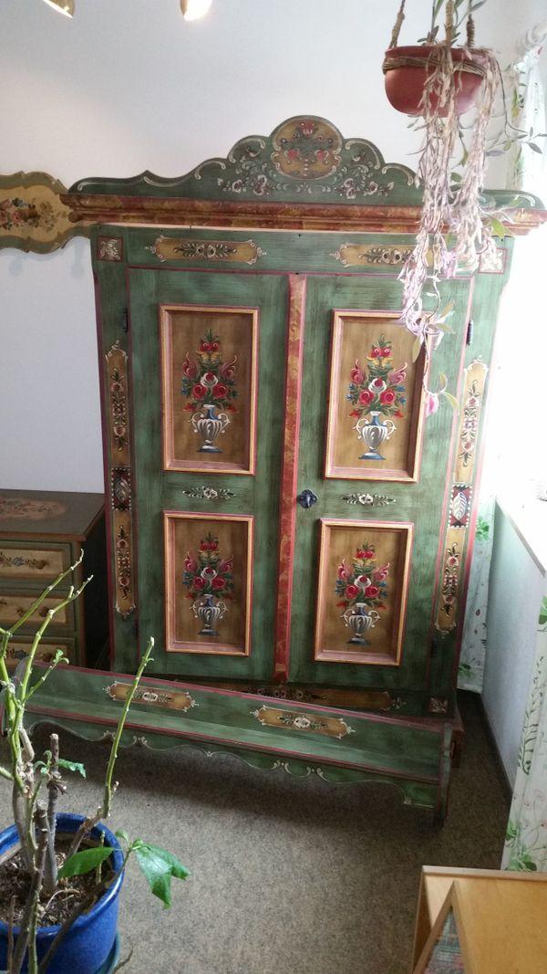 alter kleiderschrank kaufen alter kleiderschrank gebraucht. Black Bedroom Furniture Sets. Home Design Ideas