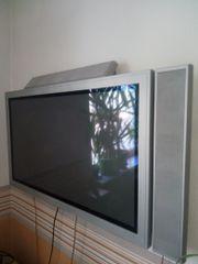 Dual Flachbildschirm Fernseher